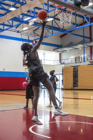 Women's basketball team looking to reach playoffs