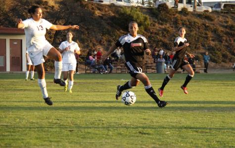 Women's soccer defeats Southwestern for second place