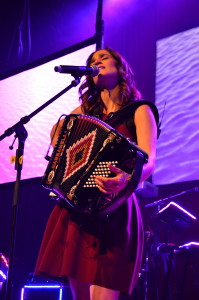 Julieta Venegas transcends Mexican pop music with new album 'Los Momentos'