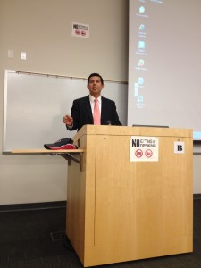 Mayoral candidate David Alvarez visits City College