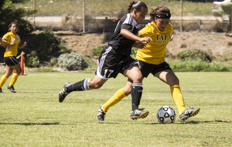 Women's soccer suffers loss in home opener