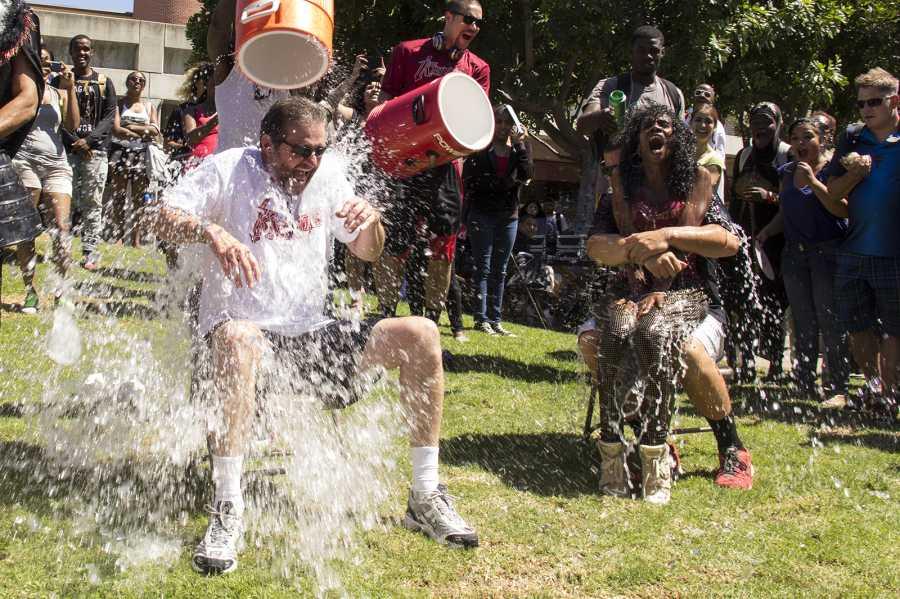President+Bebee+accepts+the+ALS+Ice+Bucket+Challenge+on+Spirit+Day.+Photo+credit%3A+Celia+Jimenez