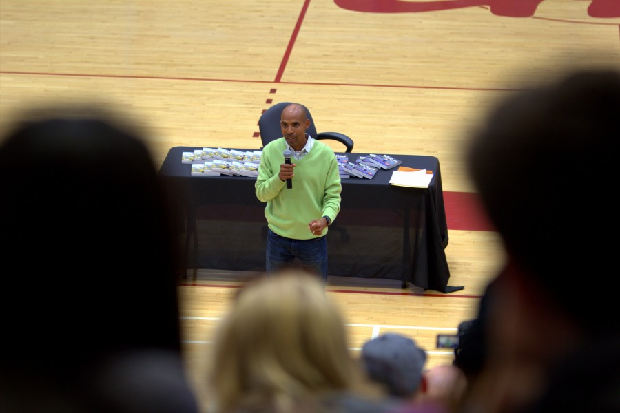 2014+Boston+Marathon+winner%2C++Meb+Keflezighi+tells+the+story+of+when+he+first+started+running+in+junior+high+on+May+7+at+the+Harry+West+Gym.+Photo+credit%3A+David+Pradel