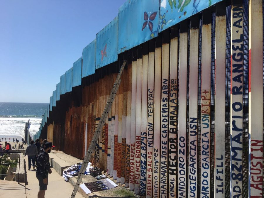 Border+wall+art+on+the+Tijuana+side%2C+2017.