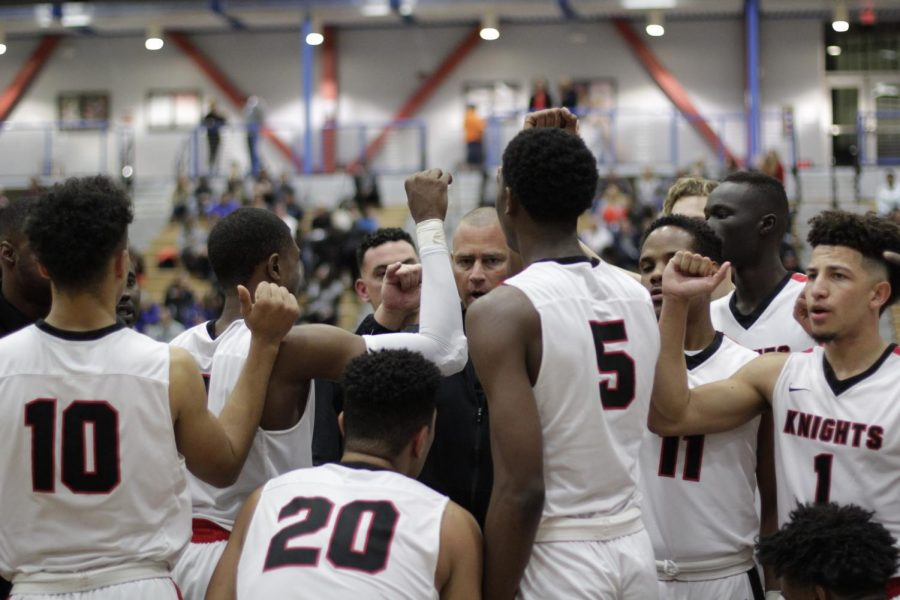 Head+Coach+Mitch+Charlens+encouraging+his+players+during+half-time+against+their+game+to+the+Pirates+of+Ventura+College+at+the+Harry+West+Gymnasium.+