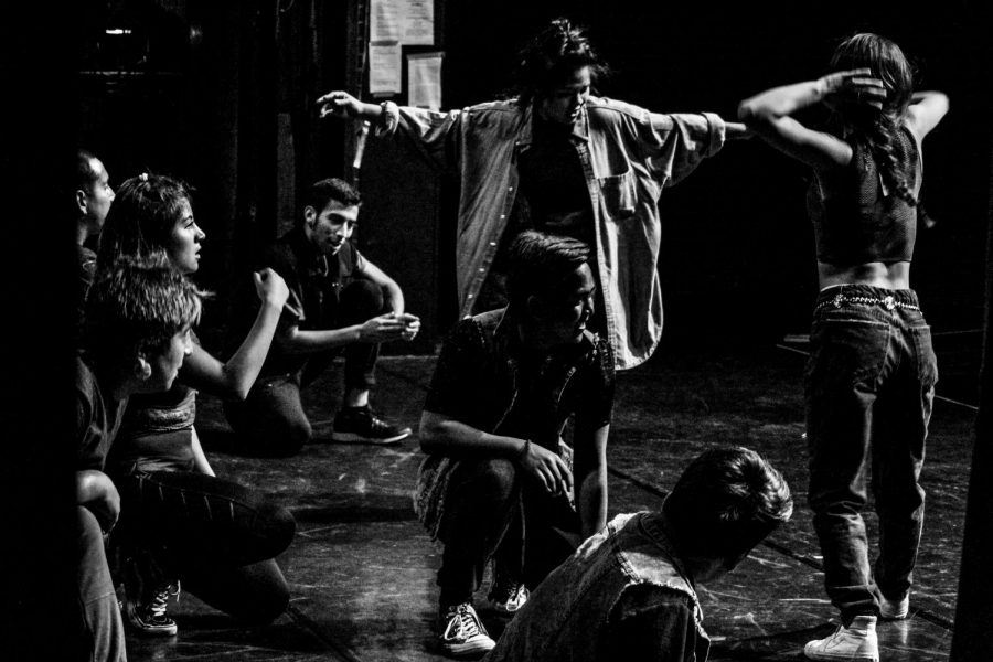 Dance+students+during+a+Hip+Hop+breakdance+breakdown+at+the+Saville+Theatre+practicing+for+their+%22Evening+of+Dance%22+showcase.