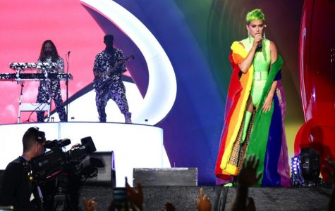 Colorful performances closes out KAABOO