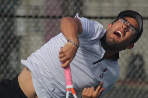 Tennis Knights qualify for SoCal Regionals