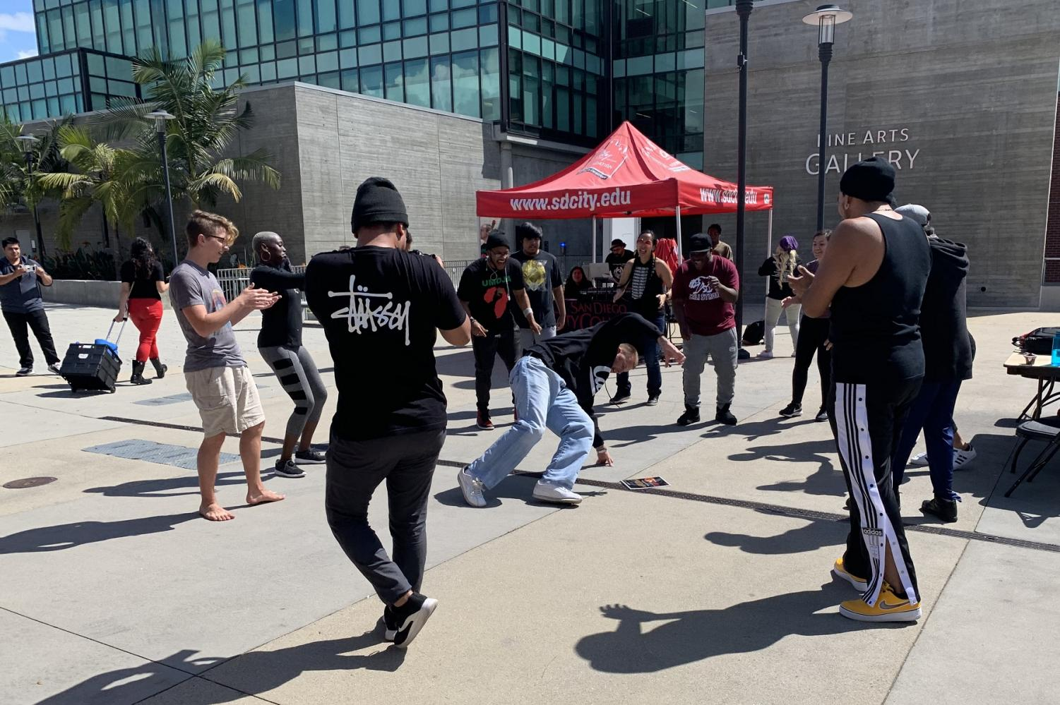 City College students enjoyed the Social Justice Conference music with a firendly dace competition. By Vicky Pineda/City College