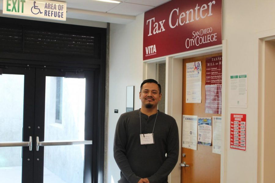 Jaime+Lopez+enjoys+getting+clients+as+much+money+back+as+possible.+By+Jonny+Rico%2FCity+Times%0A