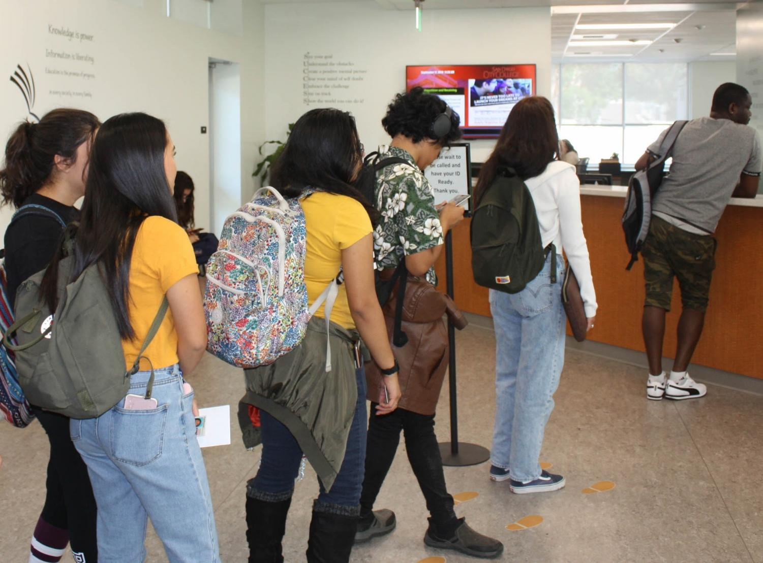 Students with questions regarding financial aid are encouraged to visit the Financial Aid Office. Photo by Aurora Ruvalcaba